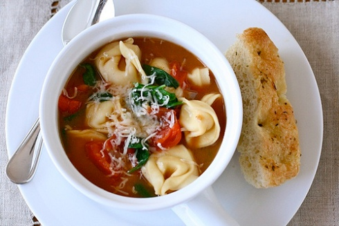 Tortellini Soup. Image from www.annies-eats.com