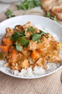 Slow Cooker Coconut Curry Chicken. Image from www.sweettreatsmore.com