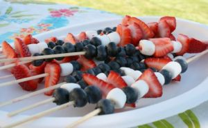Click for Fruit Marshmallow Kabobs recipe. Image from www.makeandtakes.com