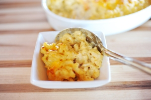 Macaroni and Cheese. Image from www.thepioneerwoman.com